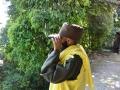 Mnich s dalekohledem
